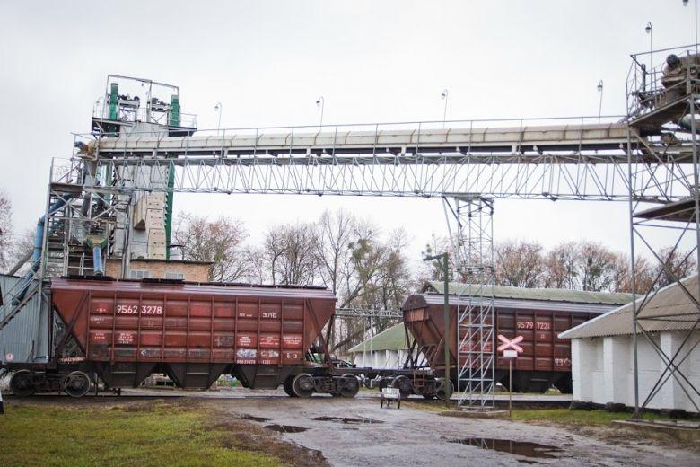 Где хранится зерно в элеваторе транспортер 2