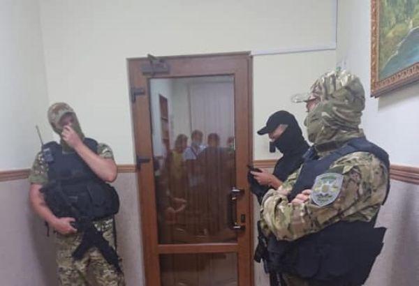 https://elevatorist.com/media/news/600-s/00/10/10770/obyski-paek-22540.jpg