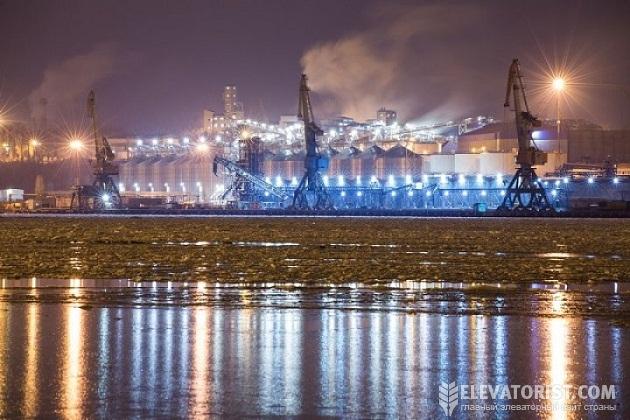 На «СП Рисоил Терминал» в порту Черноморск завершили монтаж 8 новых силосов