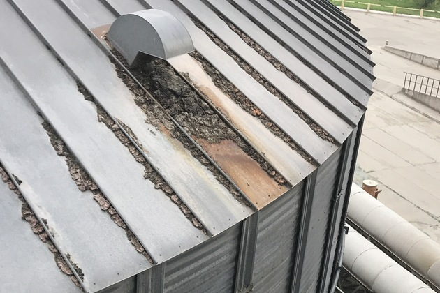 Коррозия вокруг воздуховодов