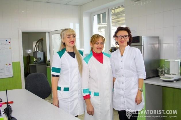 Специалисты лаборатории
