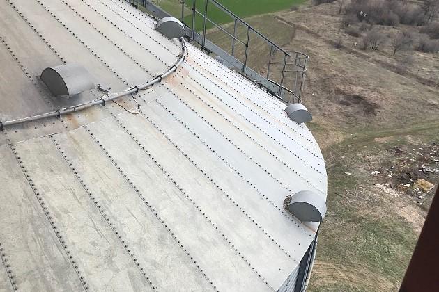 Осмотр крыши силоса