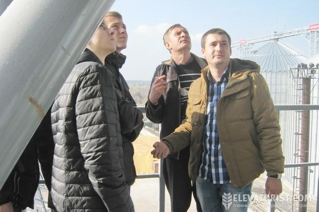 http://elevatorist.com/storage/Rokitnoe/ekskursiya.jpg