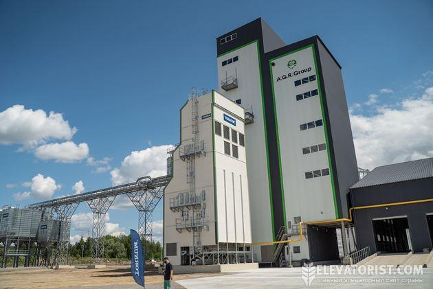 Рабочая башня и зерносушилка