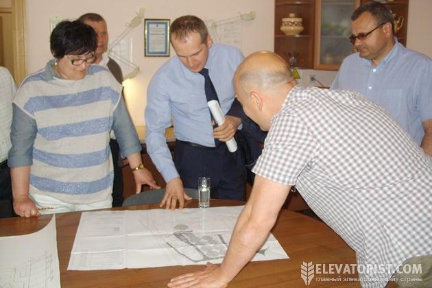 Коллектив элеватора и Павленко