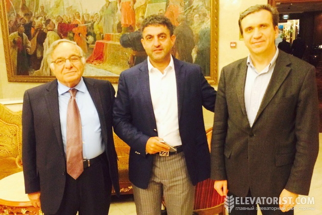Ицхак Адизес, израильский и американский писатель и бизнес-консультант (слева), Рафаэль Гороян, руководитель группы компаний «Прометей» (в центре).