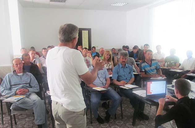 В ходе тренинга выступающие рассказывали об сушке и перемещении зерна, оборудовании, а также работой с ним и обслуживанием
