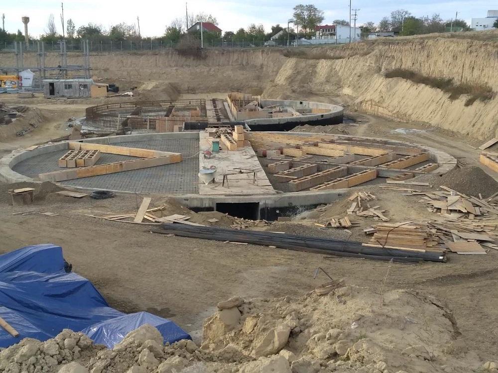 Закладывание фундаментов на территории строящегося МЭЗа в Молдове