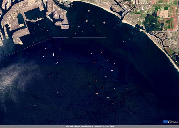 Спутниковое фото танкеров с нефтью